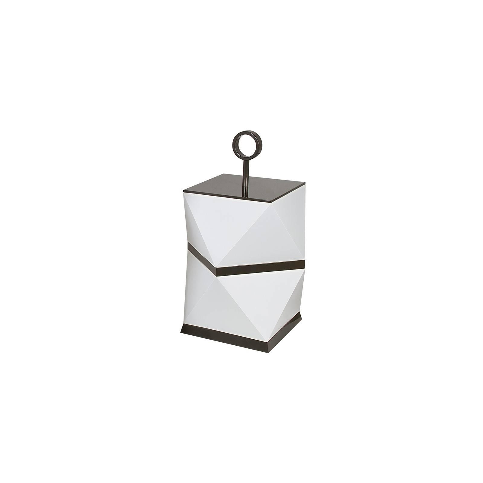 Décoration au style japonais avec la lampe Corsetty